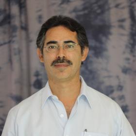 Dr. Alfredo Aguilar